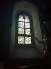 Rok 2017 Renowacja dwóch okien witrażowych w zachodniej części kościoła parafialnego pw. św. Bartłomieja Apostoła_2